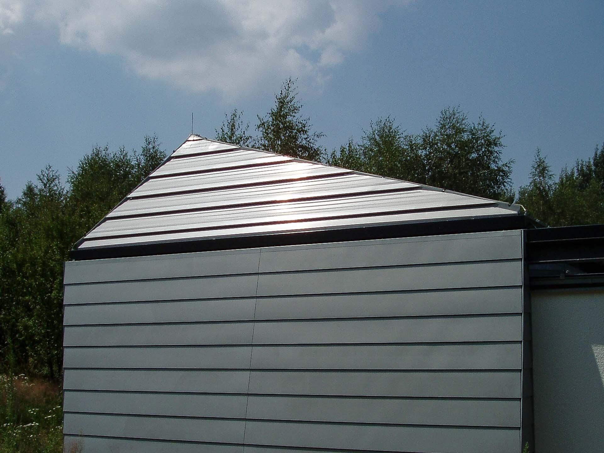 Cabrio-Schiebedach am Observatorium Dresden (Objekt  1114). Cabrio-Schiebedach in asymetrischer Pyramidenform.