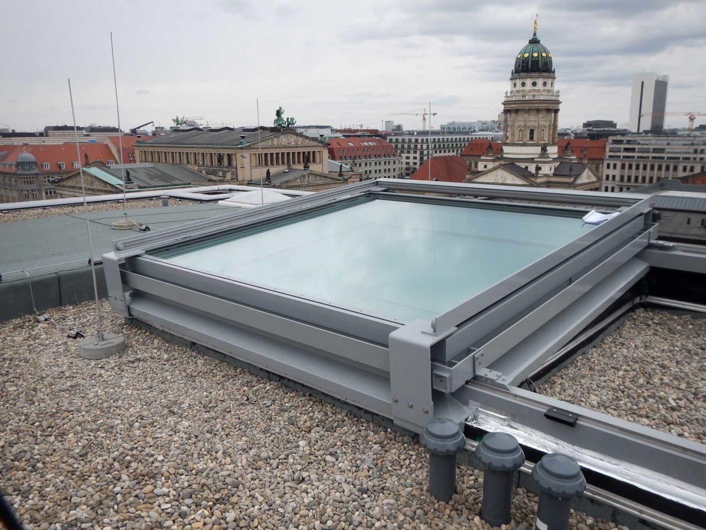 Cabrio Schiebedach in Berlin (Objekt 1065). Sunshine Cabrio-Glasschiebedach (340 x 340) cm in Berlin - Besonderheit: ein einzelnes Glasfeld