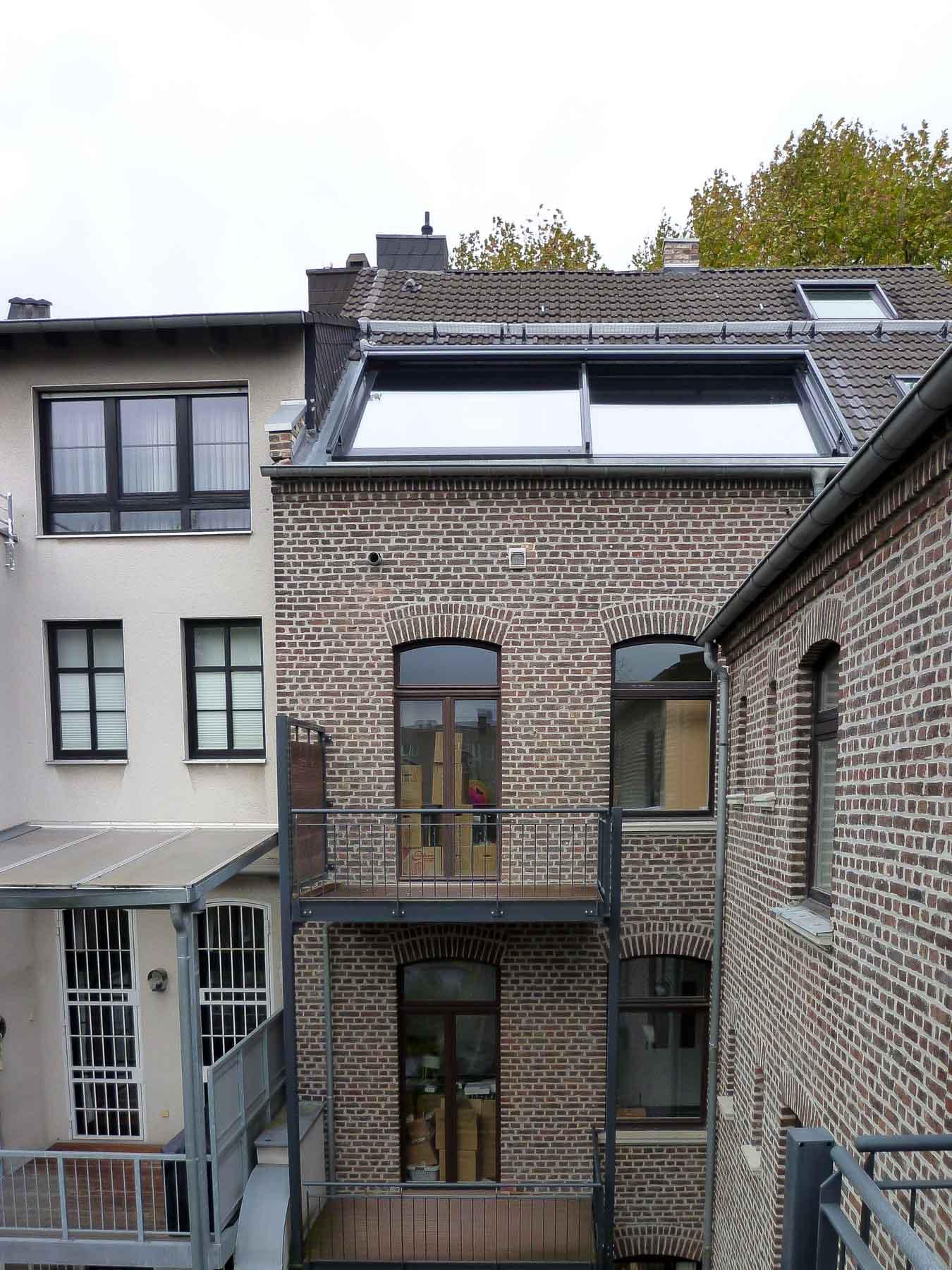 Panorama Dachschiebefenster in Neuss (Objekt 1170). 2-teiliges Dachschiebefenster (Panorama AL) zur Belichtung der Küche im Dachgeschoss