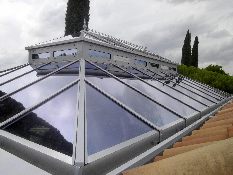 DecoArt Wintergarten in Ludwigshafen. Flache Glasdichtungsprofile ermöglichen eine leichte Reinigung