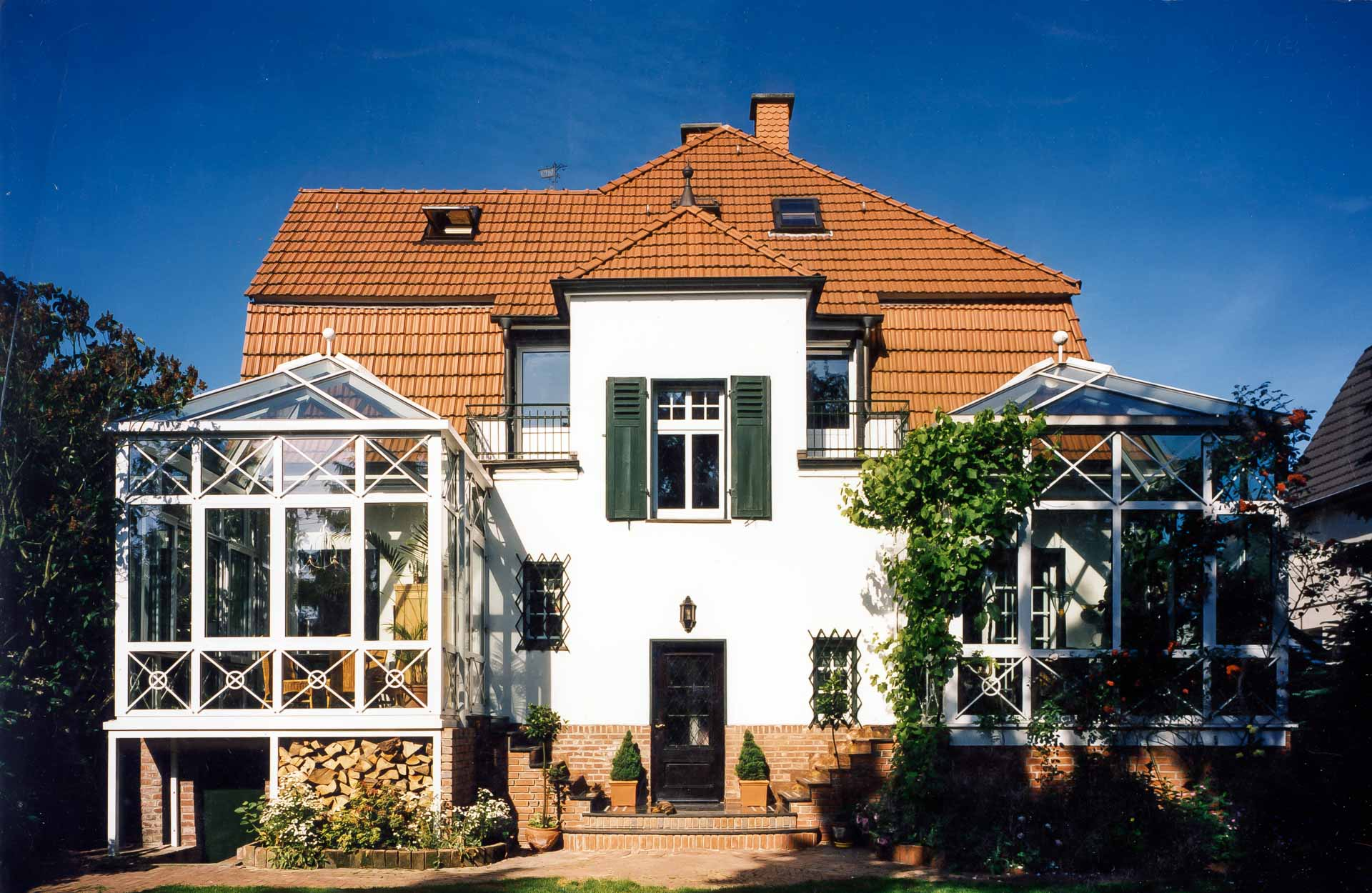 Wintergarten in Rheine (Objekt 481). Essen und Wohnen von erhöhter Warte mit Ausblick in den Garten