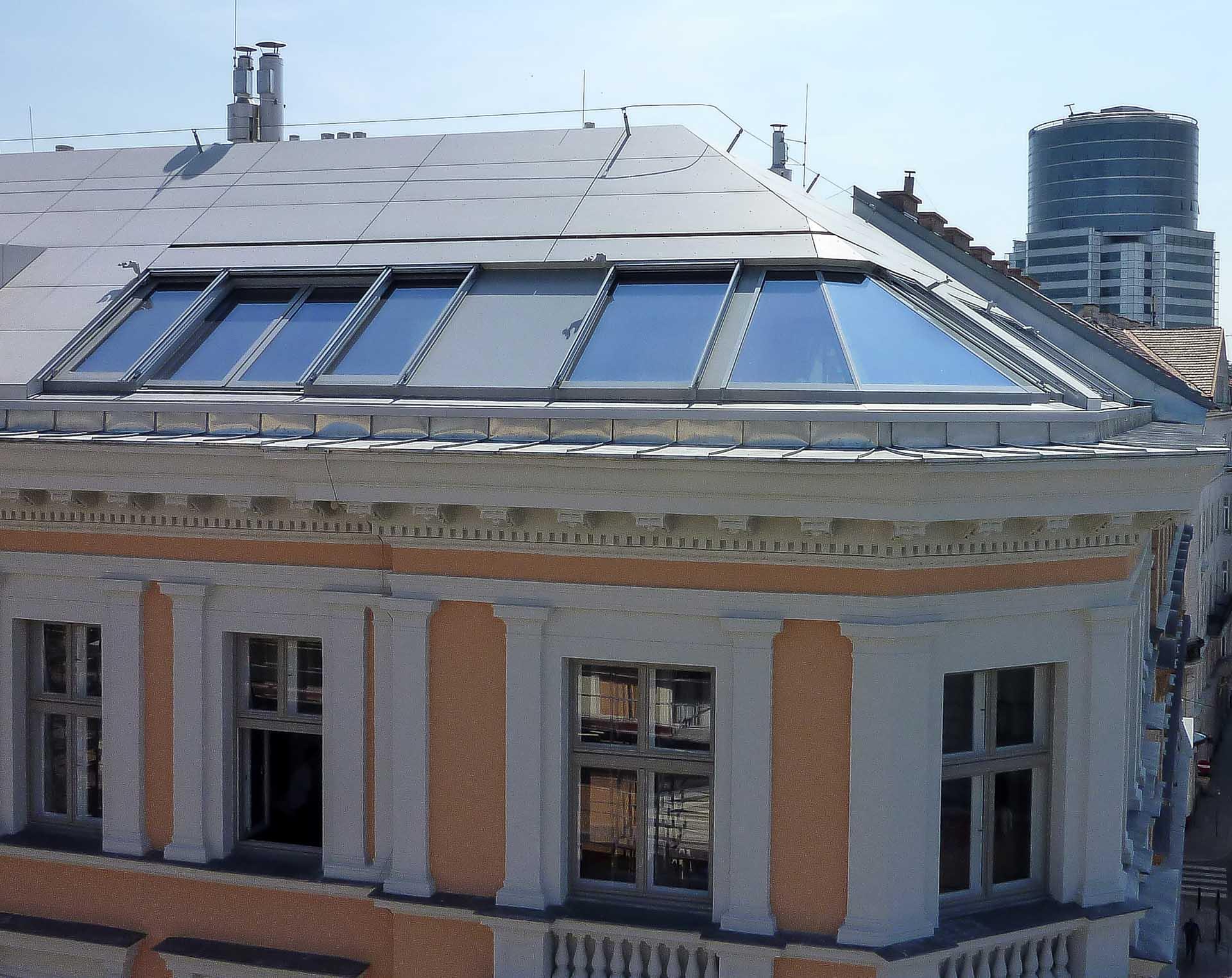 Cockpitverglasung mit Panorama Dachfenster in Wien (Objekt 1113).