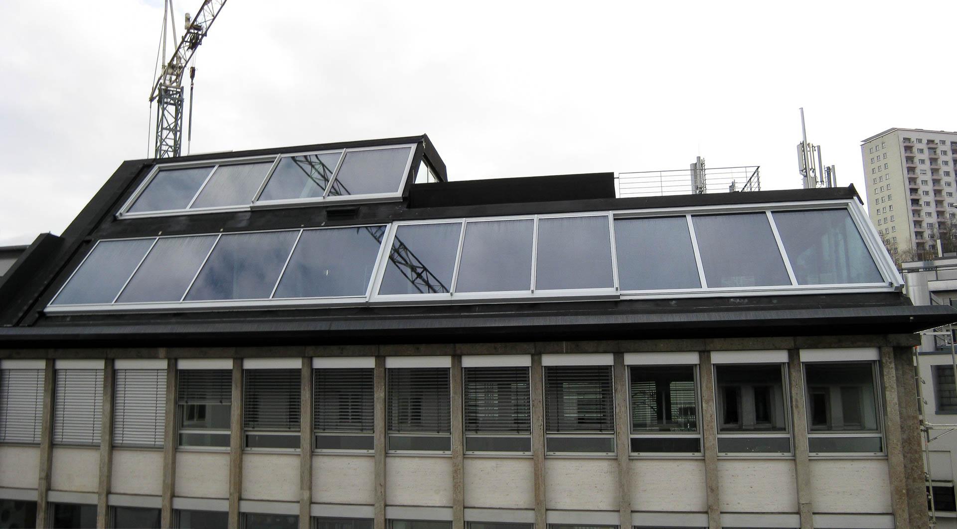 Lichtdach mit integriertem Panorama Dachschiebefenster in Stuttg.