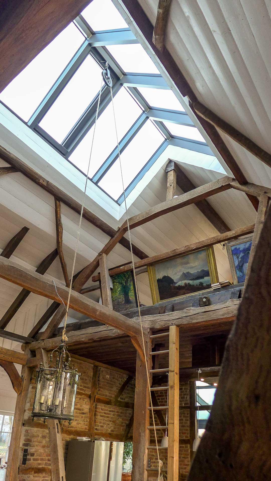 Lichtdach in Bonn (Objekt 1167). Filigranes Lichtdach aus verschweißten Alu-Profilen mit reinigungsunterstützender Sonnenschutzverglasung.