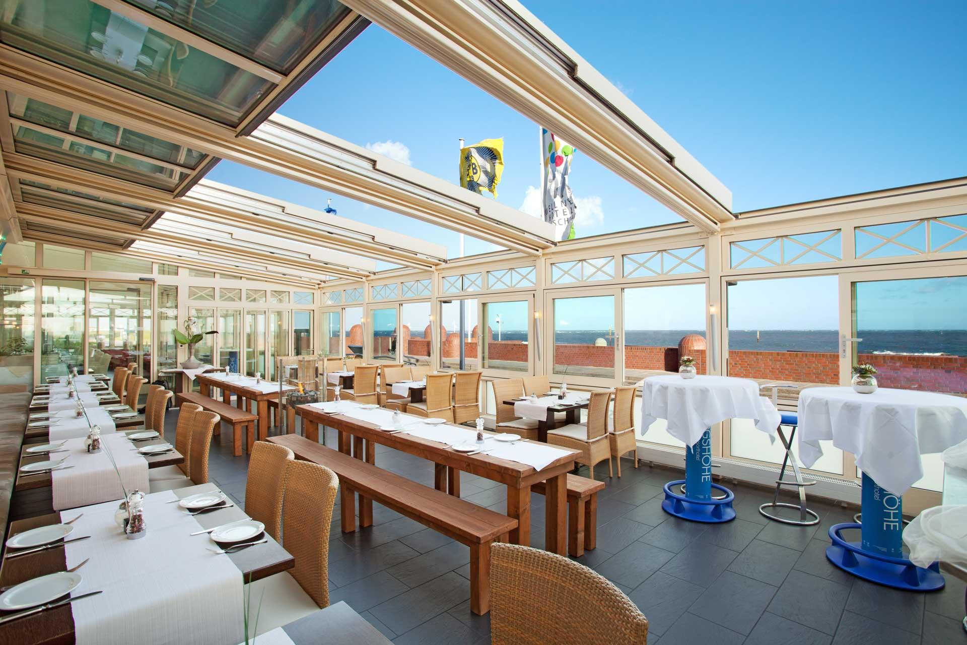 Gastraumwintergarten mit OpenAir Schiebedach auf Norderney (Obje. 4-teiliges OpenAir Schiebedach in Gastraumwintergarten integiert mit einer Größe von 12 x 6 Metern