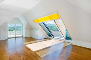 Panorama skylight in Küssnacht in Switzerland (object 1111). Panorama sliding roof windows allow plenty of sunlight into the room, allow a view of the surroundings and thus create an extraordinary atmosphere. Internal roller blinds offer protection from dazzling sun rays and can be adapted to the size of the window.
