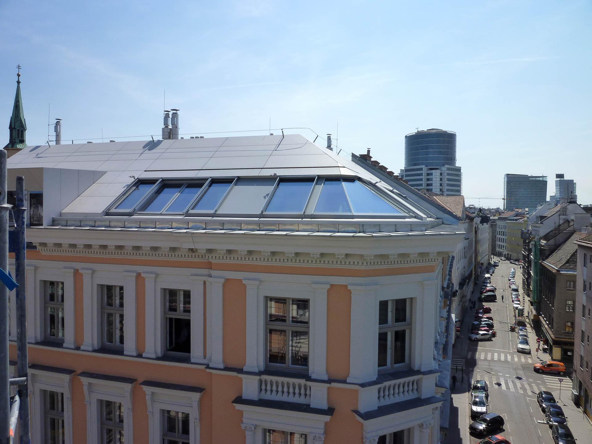 Praterblick durch Panorama-Dachflächenfenster
