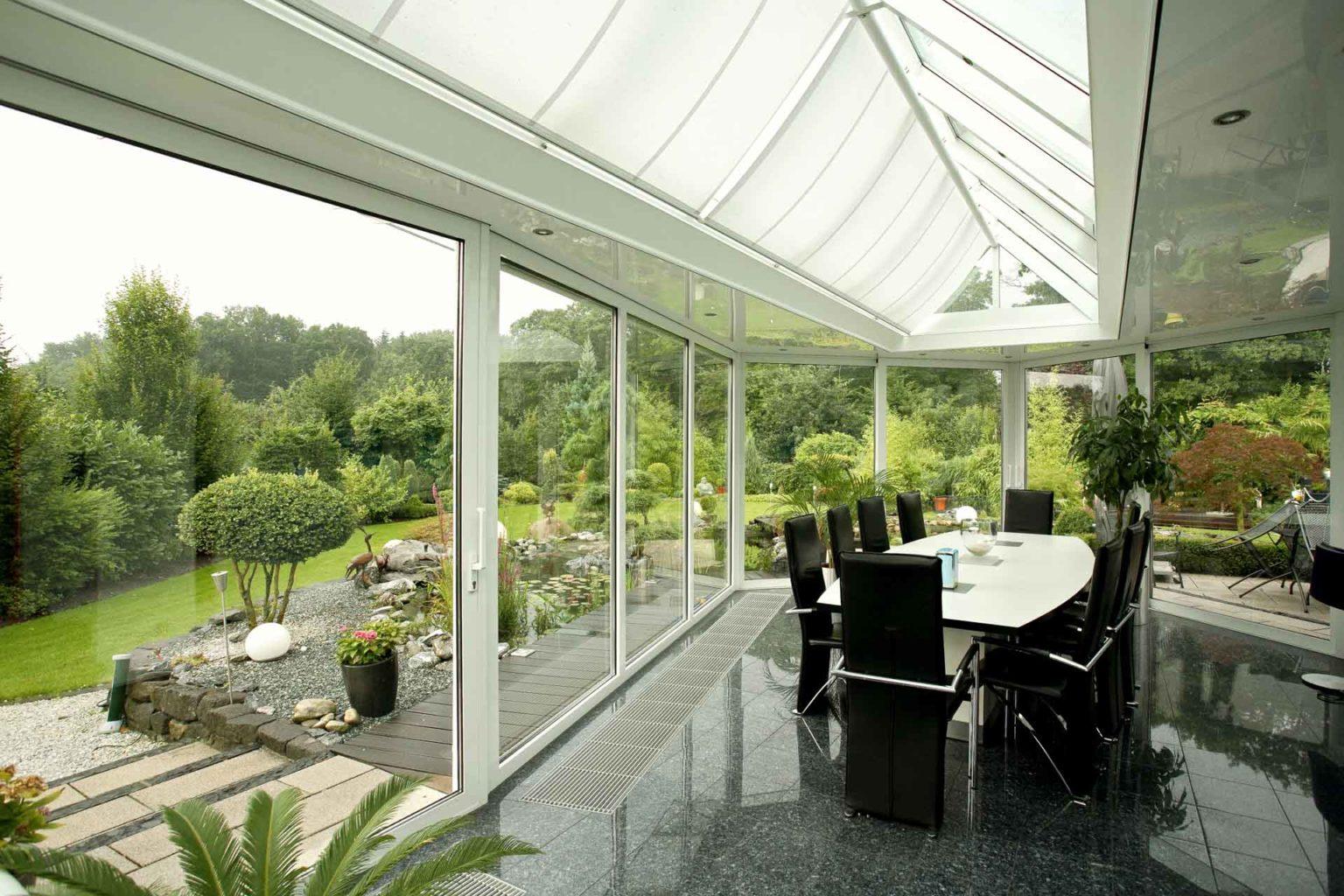 Wintergarten in Haren (Objekt 1010). Wintergarten futuristisch gestaltet in exotischer Gartenlandschaft