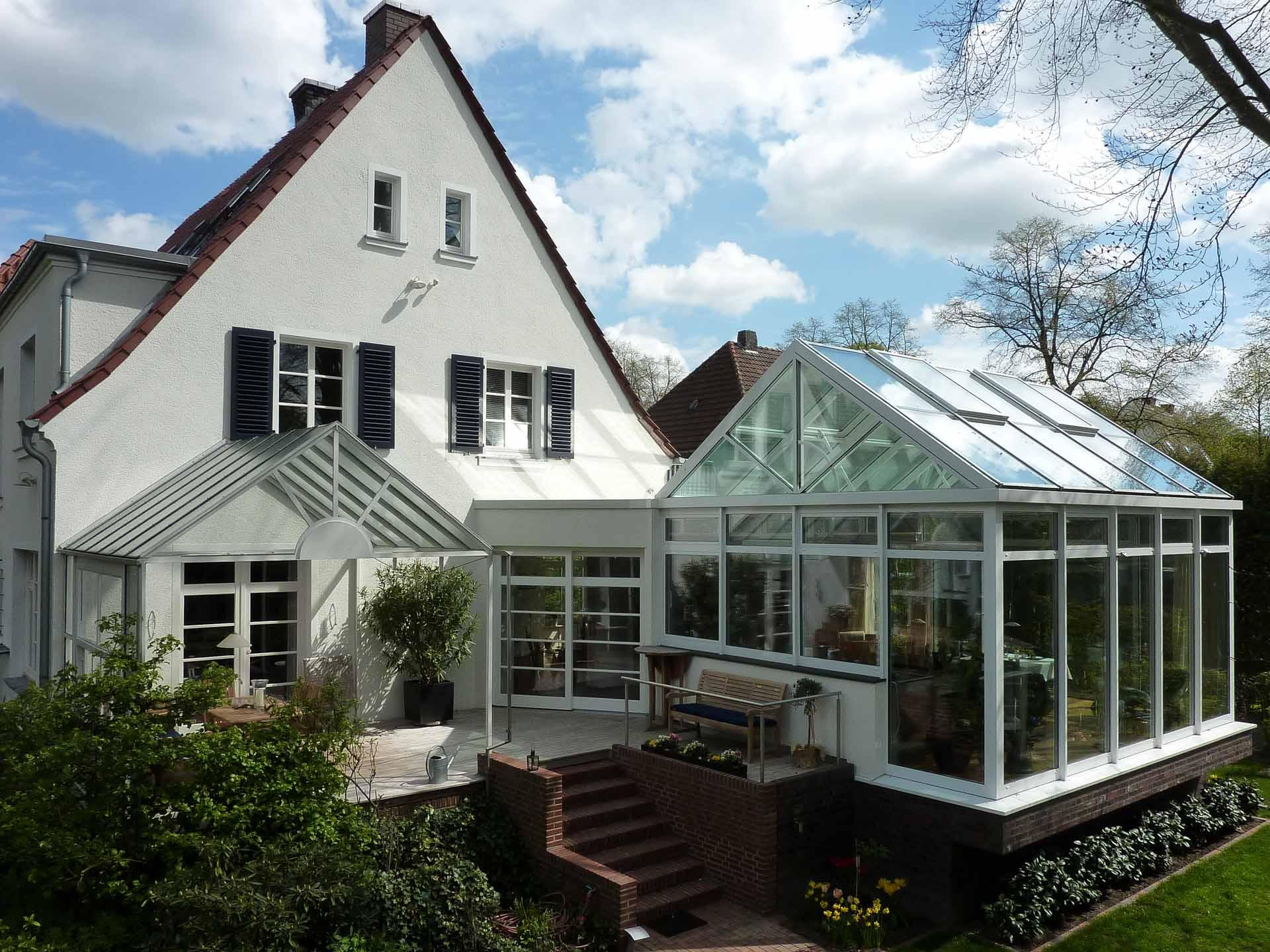 SunArt Wintergarten in Coesfeld (Objekt 1104). Sonnenschutzglas und Dachlüftungsfenster dienen der sommerlichen Klimaregulierung