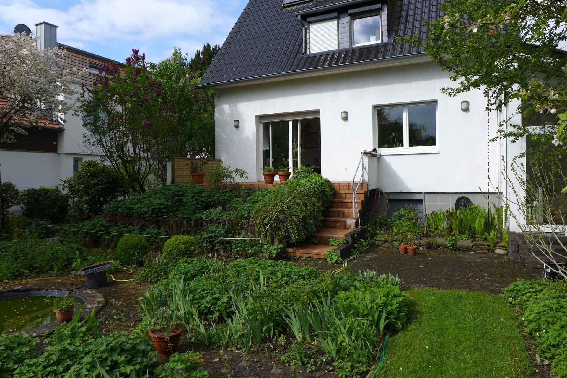 Wintergarten in Bergisch Gladbach (Objekt 1157). Die kleine Terrasse konnte ohne Wetterschutz oft nicht genutzt werden