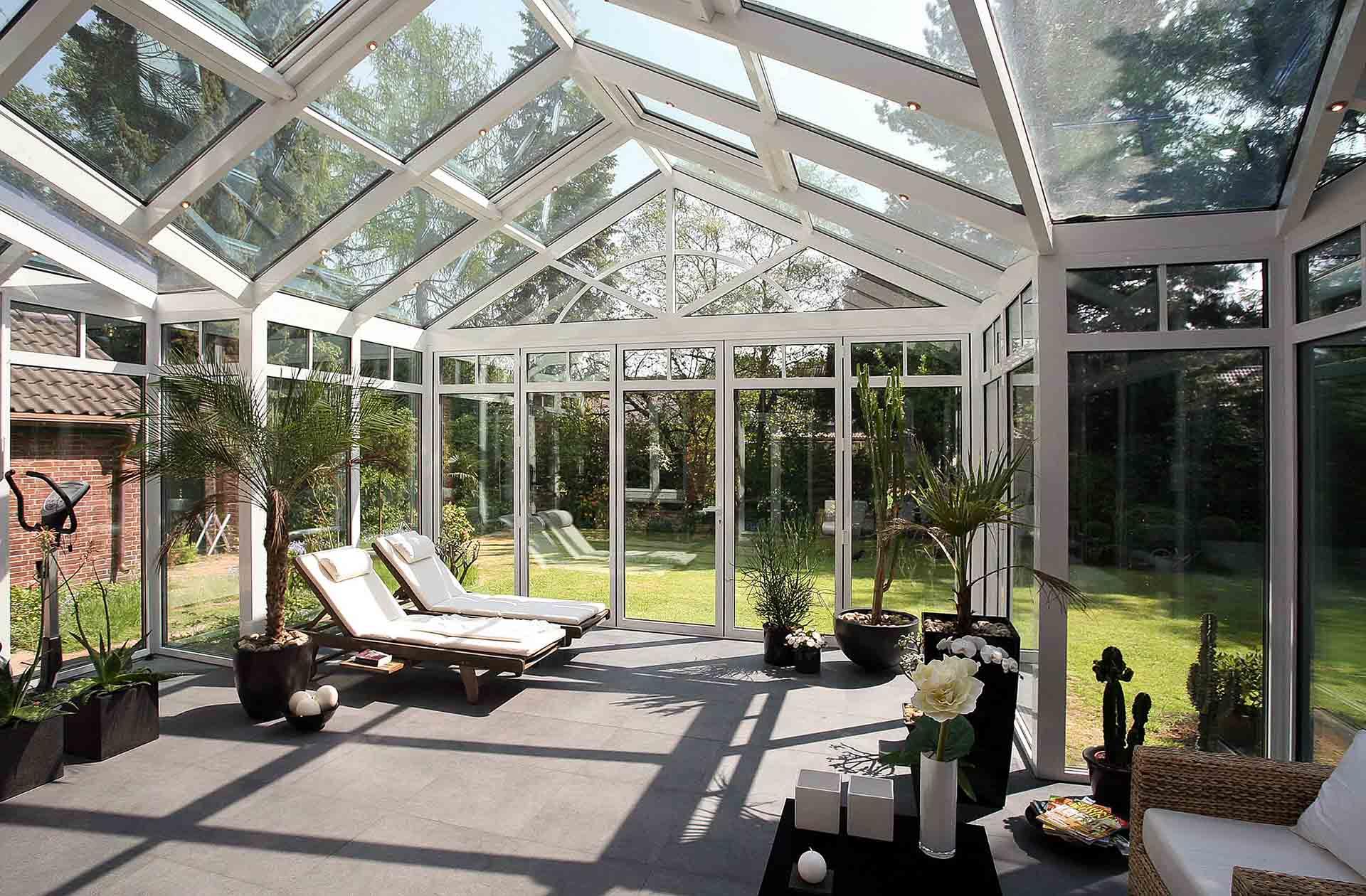 Hightech-Sonnenschutzglas hält Wintergarten kühl