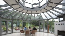 Conservatory in Bonn (Object 999). This glass garden pavilion offers enough place for sociable Zusmmenkünfte with family and friends.